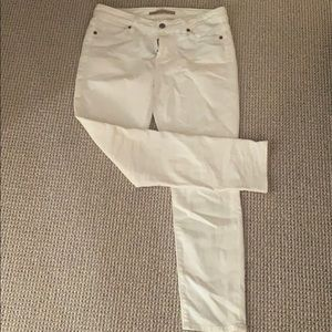 Vince white jeans in perfect condition